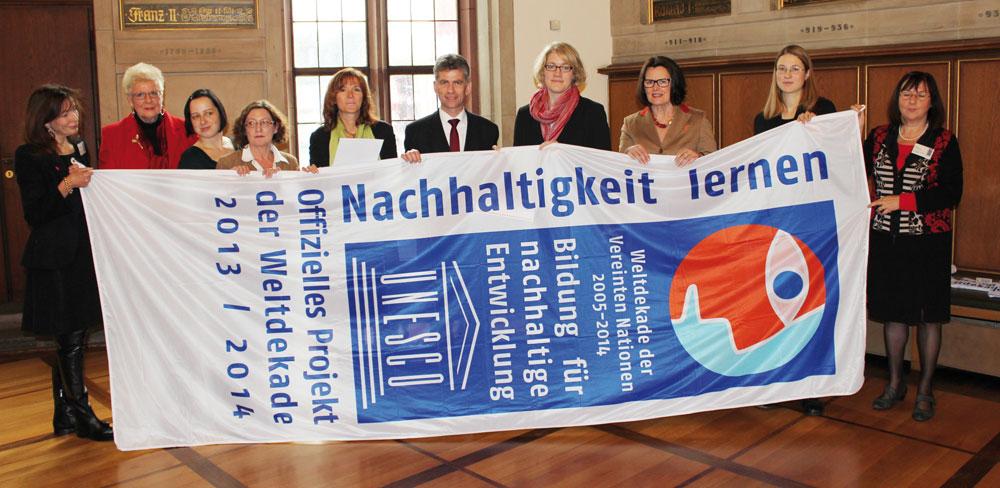Teilnehmer der Auszeichung als offizielles Projekt der Weltdekade in Frankfurt 2013
