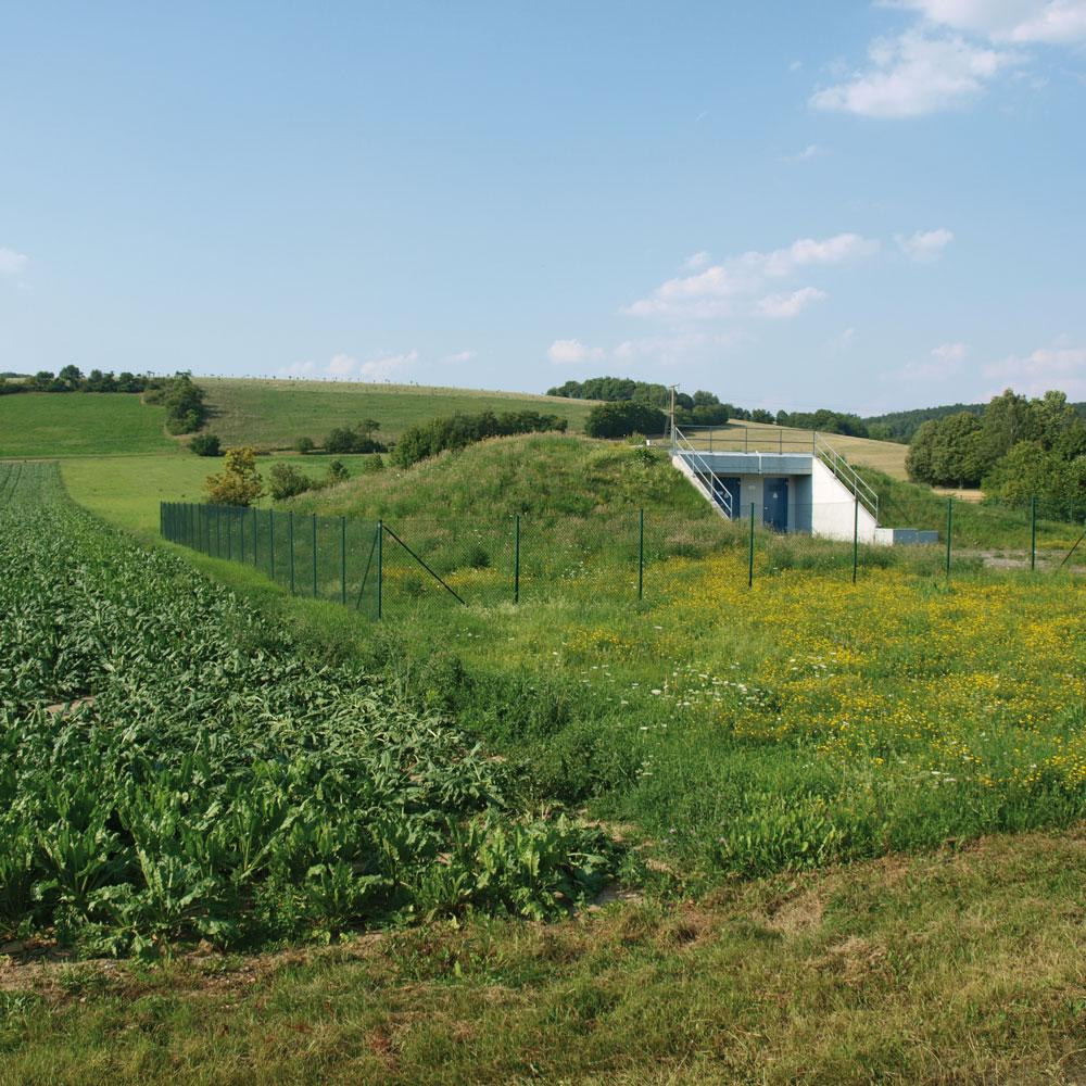 Gemüseanbau neben Brunnenfassung bei Thüngen