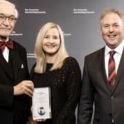 Delegation aus Unterfranken bei der Überreichung des Deutschen Nachhaltigkeitspreises. Von Links: Dr. Paul Beinhofer, Nicole Nefzger, Christian Guschker